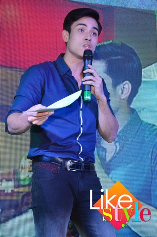 Xian Lim and Heart Evangelista for Robinsons Supermarket